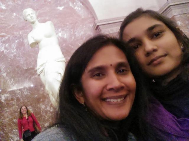 ~Me and my mum taking a selfie with Venus de Milo
